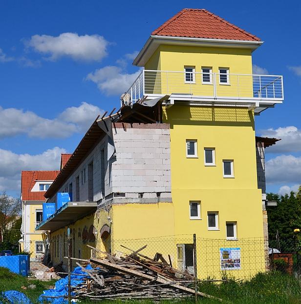 http://rozhledny.webzdarma.cz/vikletice10.jpg